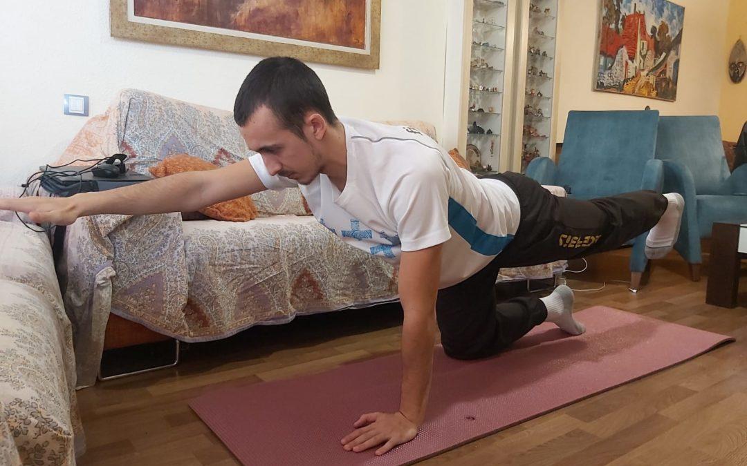 Pilates: Bird-dog y Planchas frontales